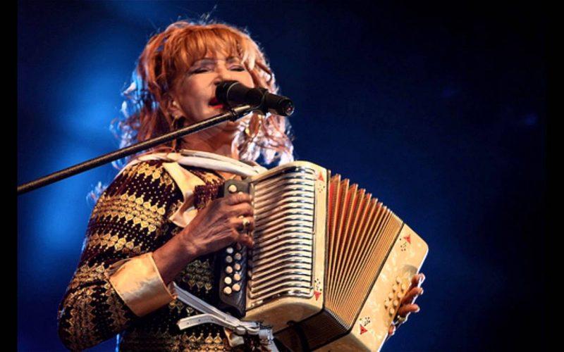 (Video) La Vieja Fefa «dando cintura a mil» en su tour por Estados Unido, demostrando que es una mujer de sobradas energías
