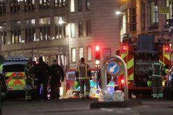 En Puente de Londres dos resultan muertos luego de ataque con cuchillo este viernes
