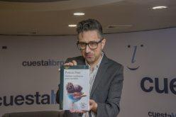 Cuesta Libros realizó encuentro con escritor argentino Patricio Pron, ganador del Premio Alfaguara Novela 2019 por su libro «Mañana tendremos otros nombres»