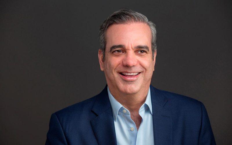 Luis Abinader anuncia eliminación de OISOE en su gobierno; David Collado será ministro de Turismo y Deligne Ascención Burgos de Obras Públicas