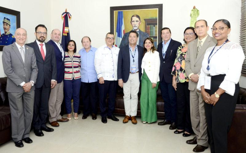 Jueces TSE se reunieron con Misión UNIORE