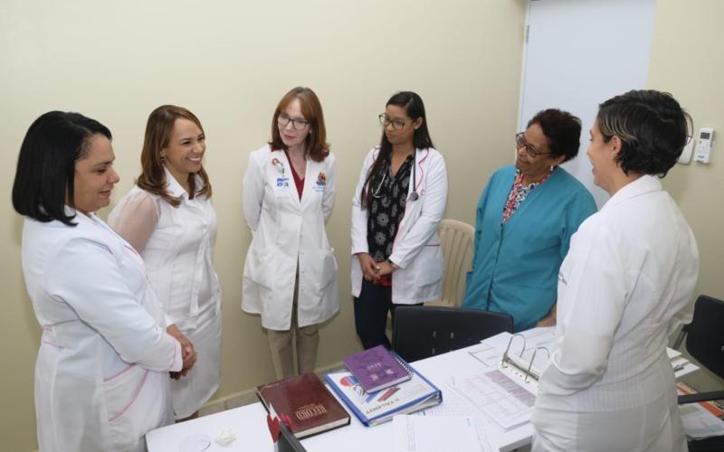 Directora DIGEPEP dando seguimiento al proyecto Registro de Nacimiento Oportuno en Maternidad Nuestra Señora de la Altagracia