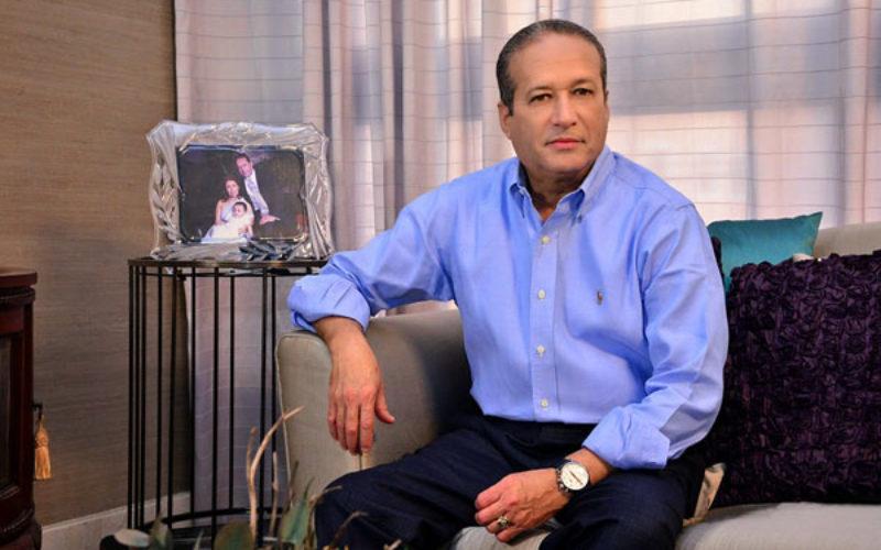 Reinaldo Pared Pérez en EEUU para someterse a tratamiento médico con el fin de erradicarle inicio tumor de esófago