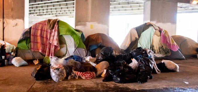 Las extremas desigualdades entre ricos y pobres de Estados Unidos según la Sociedad de Estudios de Derechos Humanos de China