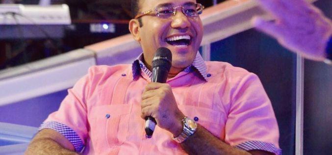 Valoran a Salvador Holguín como gigante de la comunicación al enfrentar y resistir la presión de poder del gobierno del ex presidente Danilo Medina