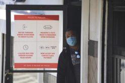 Farmacéutica estadounidense Johnson & Johnson detiene ensayos de vacuna contra COVID-19 porque un participante cae enfermo